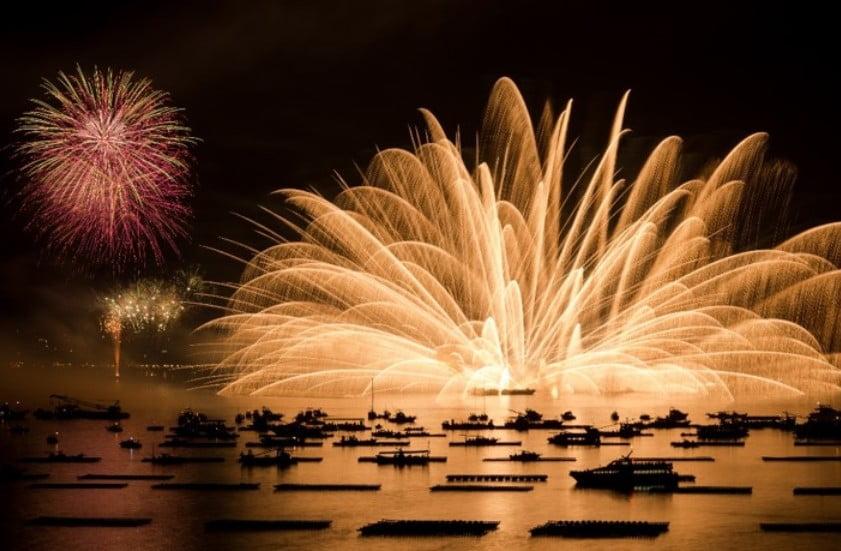 宮島水中花火大会を優雅に観覧したい方には遊覧船上クルーズがおススメ!
