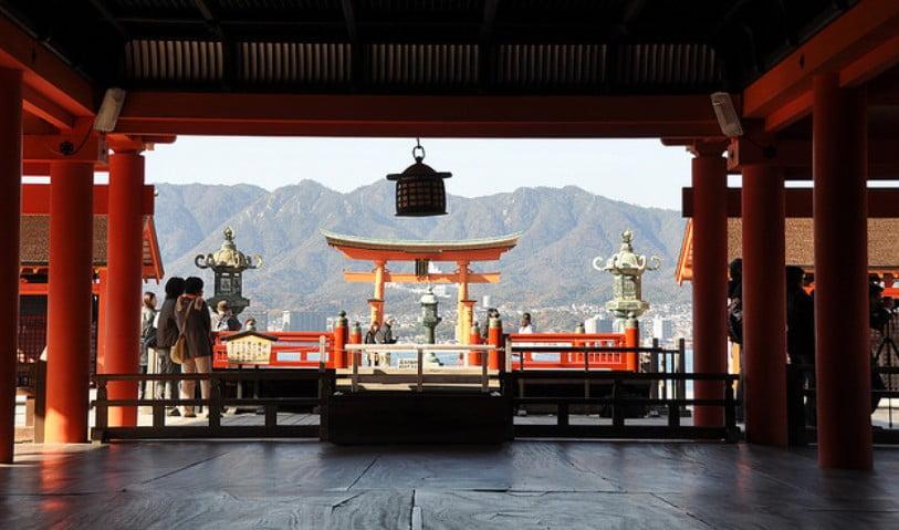 広島県宮島・厳島神社の営業時間(開門・閉門時間)と混雑を回避できる時間帯
