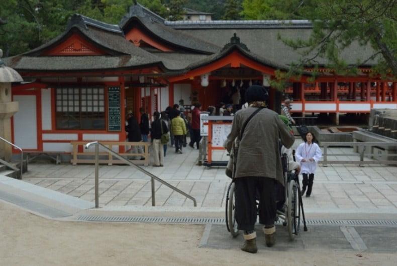 厳島神社の境内のバリアフリー化について