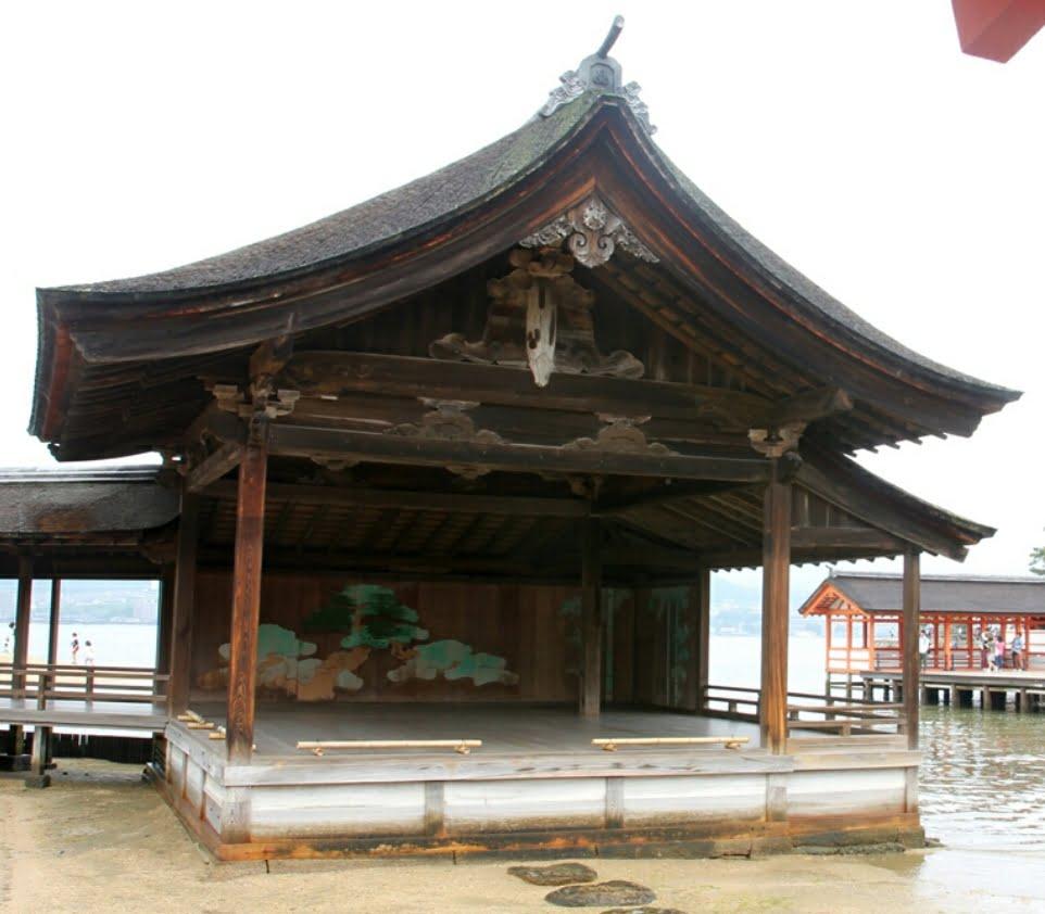 厳島神社「能舞台