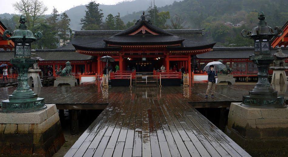 厳島神社・祓殿