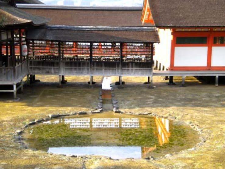 宮島・厳島神社「鏡の池」【厳島八景】   厳島神社-御朱印